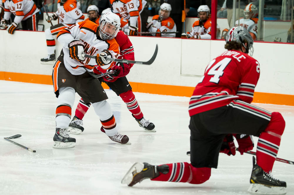 Falcons move up to 18th in USCHO poll