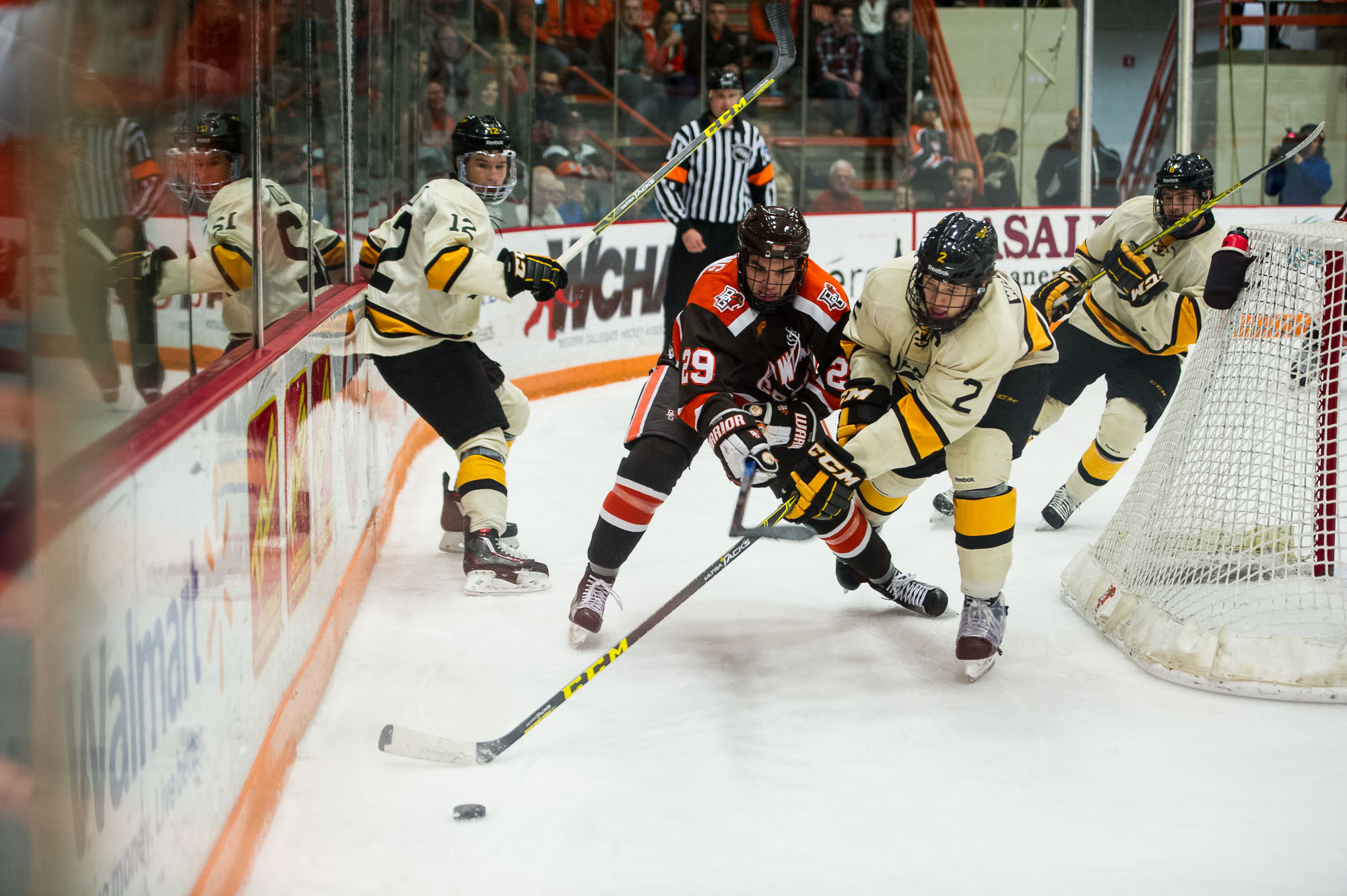 Falcons fall 4-1 to Huskies