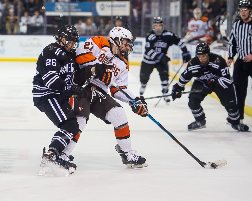 Notebook: Falcons still in contention for WCHA championship