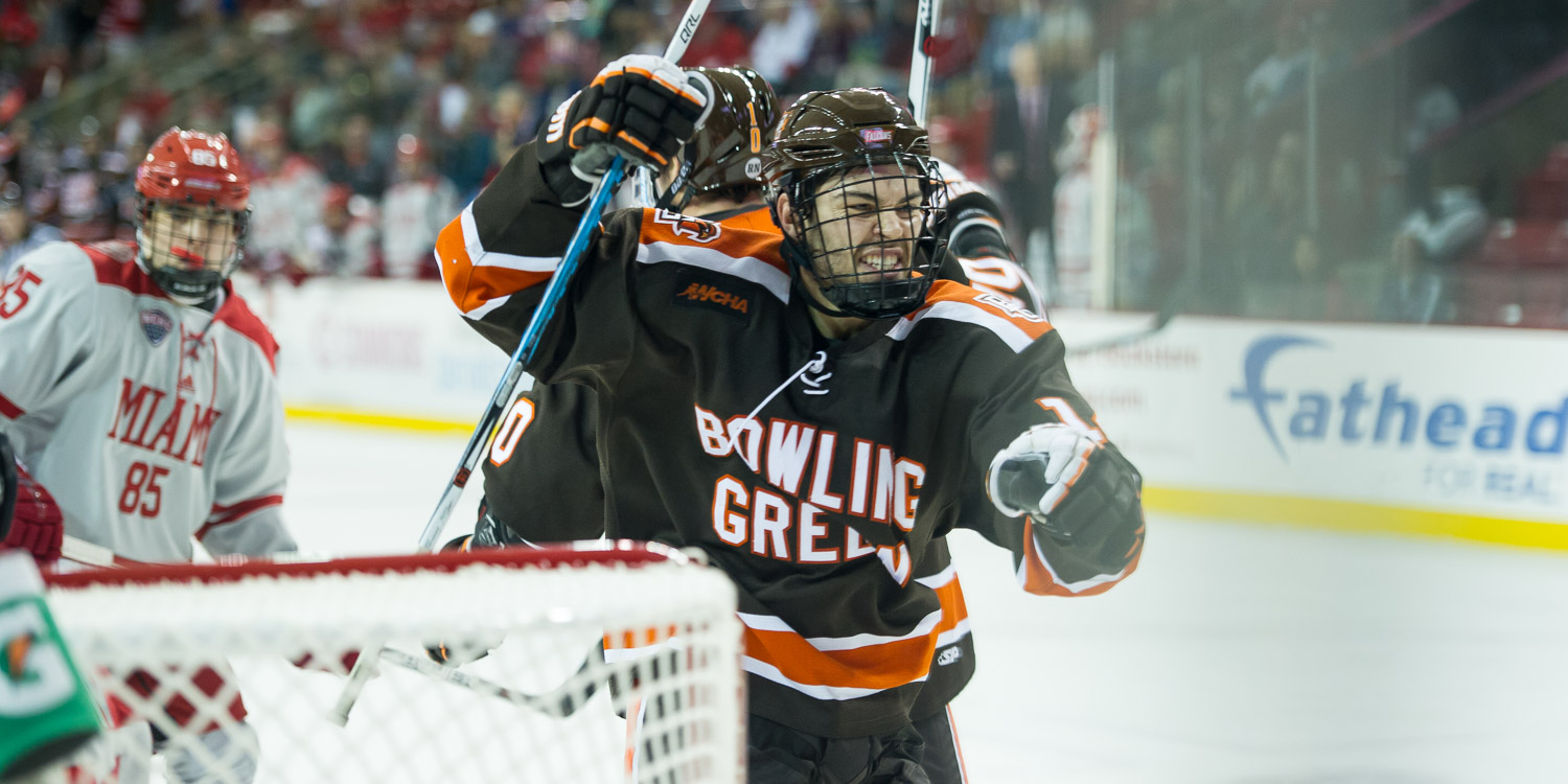Falcons score four straight, upend 'Hawks 4-1