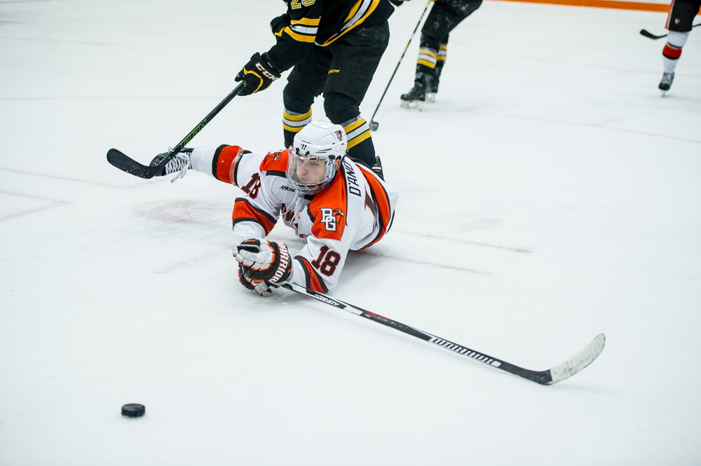 Falcons can't find equalizer in 2-1 loss to Michigan Tech