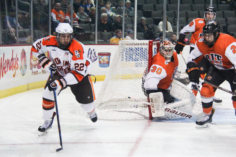 Falcons return to WCHA play, other notes