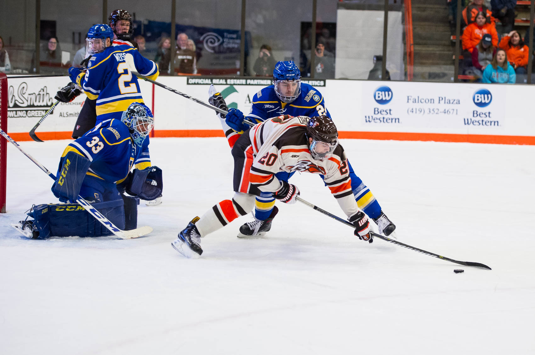 Falcons tie Nanooks 2-2, fall in shootout