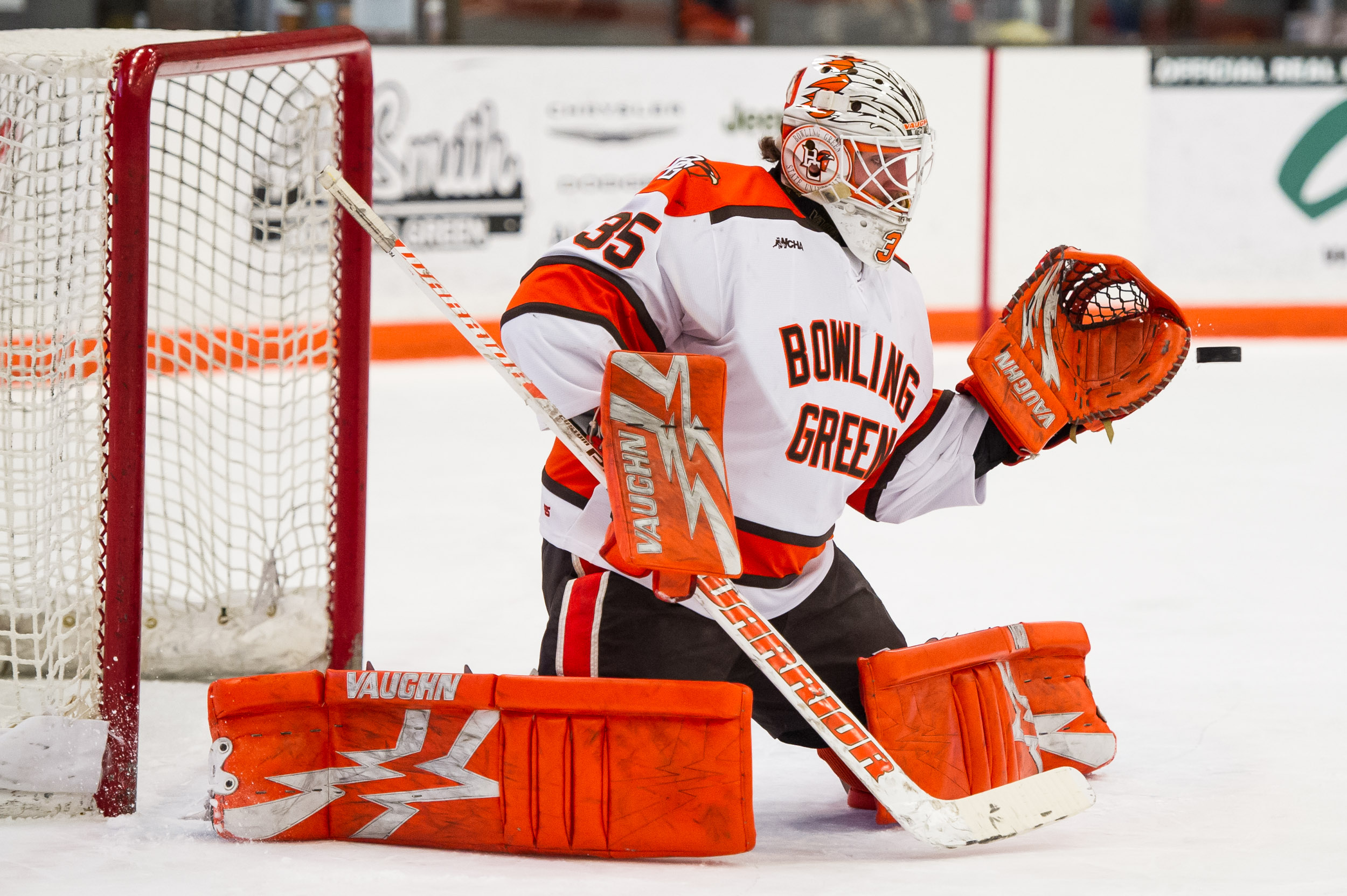 Bednard backends #20 Falcons in 6-2 win over #18 Broncos
