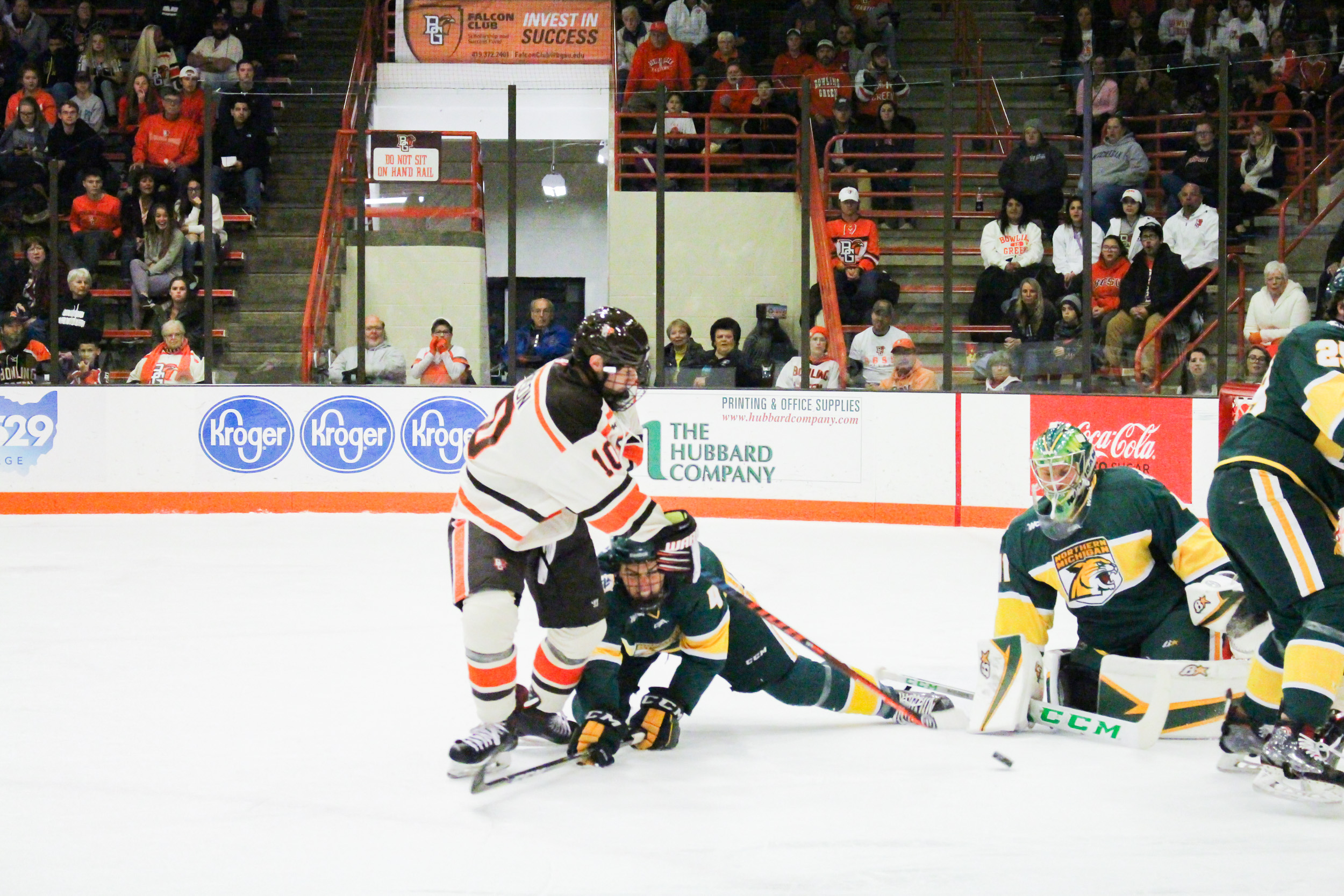 #9 Falcons can't crack NMU's Tolvanen in 2-0 loss
